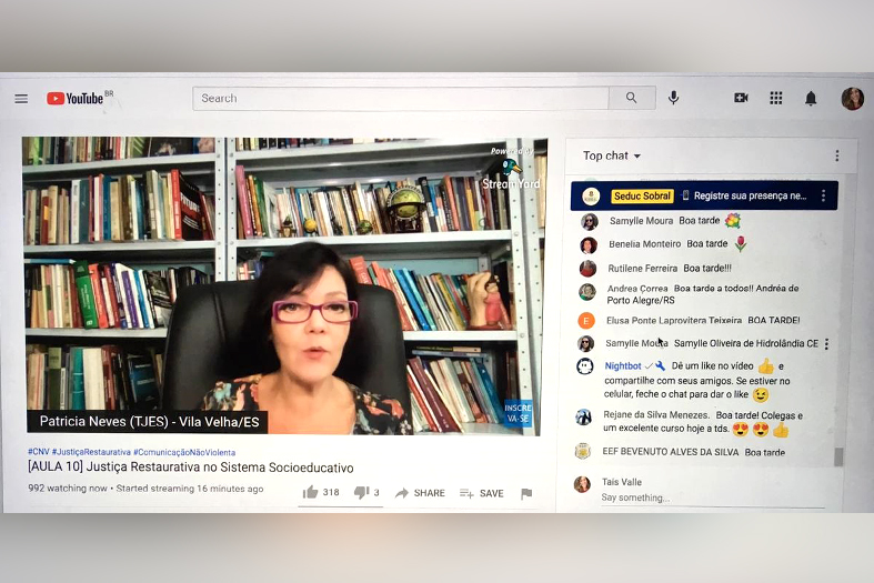 Coordenadora da Infância e Juventude do TJES, juíza Patrícia Neves, apresenta sua palestra em ambiente virtual.