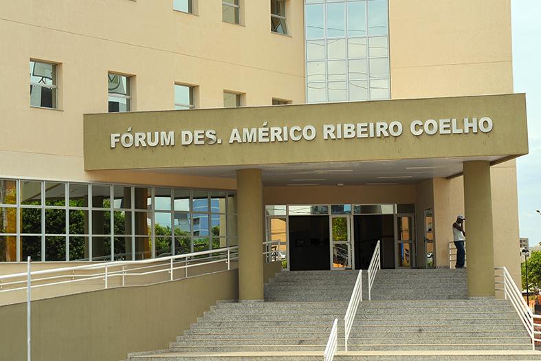 Fachada do Fórum de Cariacica, na regiao da Grande Vitória, Espírito Santo.