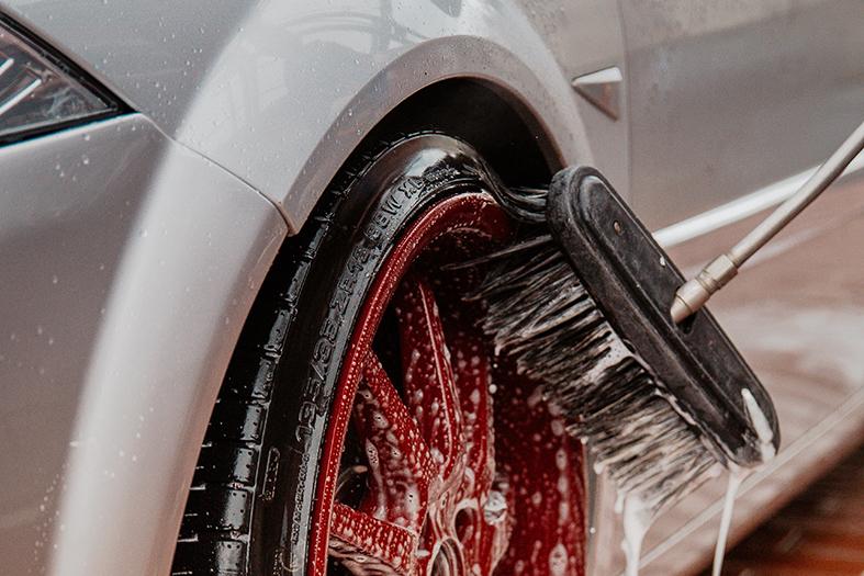 Mulher processa posto de Alegre alegando que carro apresentou defeito após ser lavado inadequadamente